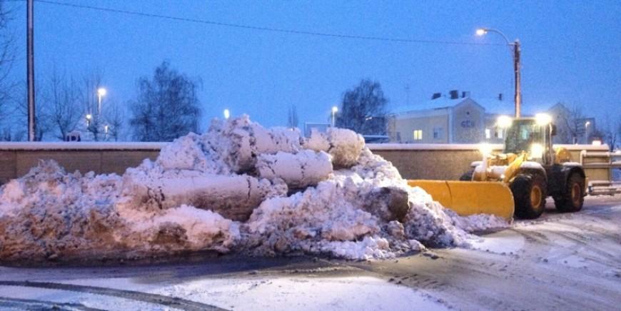 Zacharias Transporte – Schneeräumung – Ihr zuverlässiger Partner auch im Winter