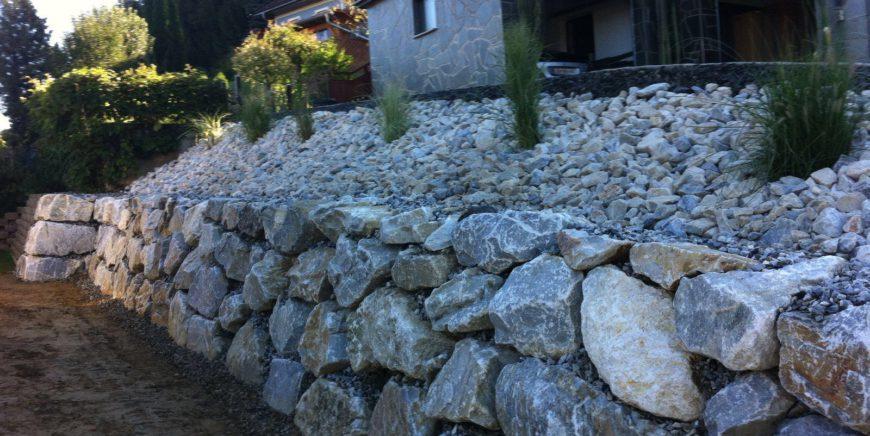 Zacharias Transporte – Spezialist für Steinmauern